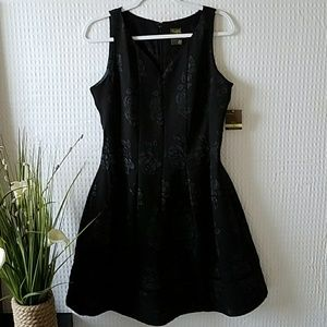NWT🖤Taylor Black Cocktail Fit and Flare Dress